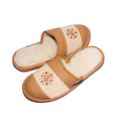 Women's Leather Slippers With Sheep's Wool Embroidered Snowflake