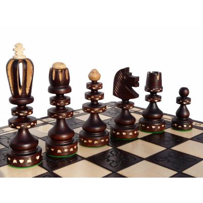 Hand Carved Wooden Chess Set - Roman