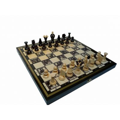 Polish Handcarved Wooden Chess Set - Club's